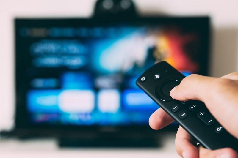 Telewizja, czy Internet? Gdzie reklama jest bardziej skuteczna?