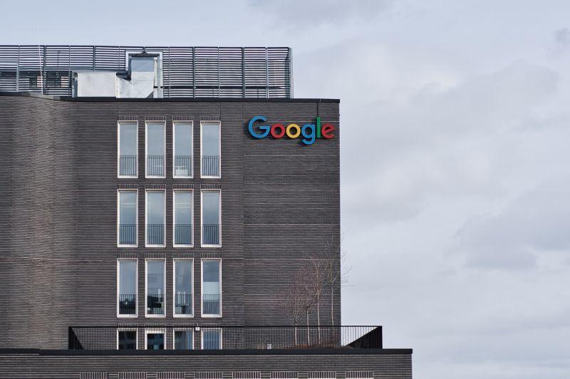 Czy Google blokuje opinie na Wizytówce Google?
